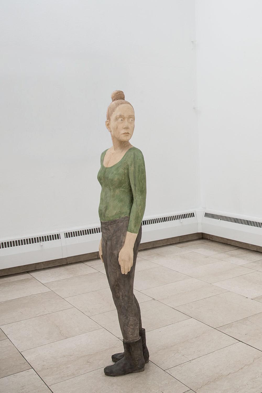 o.T., 2017, Linde geschnitzt, Acryl, 141 x 31 x 22 cm